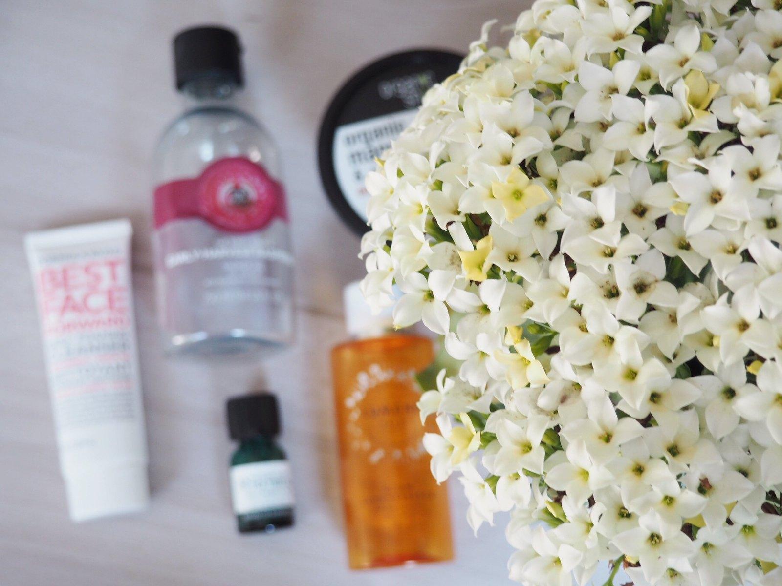 Heinäkuun loppunee kosmetiikkatuotteet