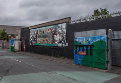 IMAGINE - MURAL IN THE NOWHERE LAND BETWEEN TWO BELFAST GATES OF PEACE