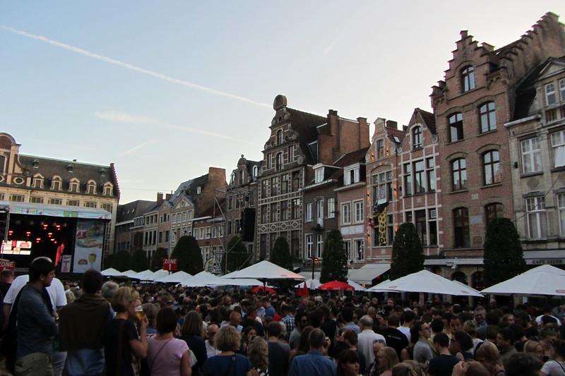 Oude Markt  - 43051028054 088d9a7663 c - ¡Flandes canta!: Lovaina