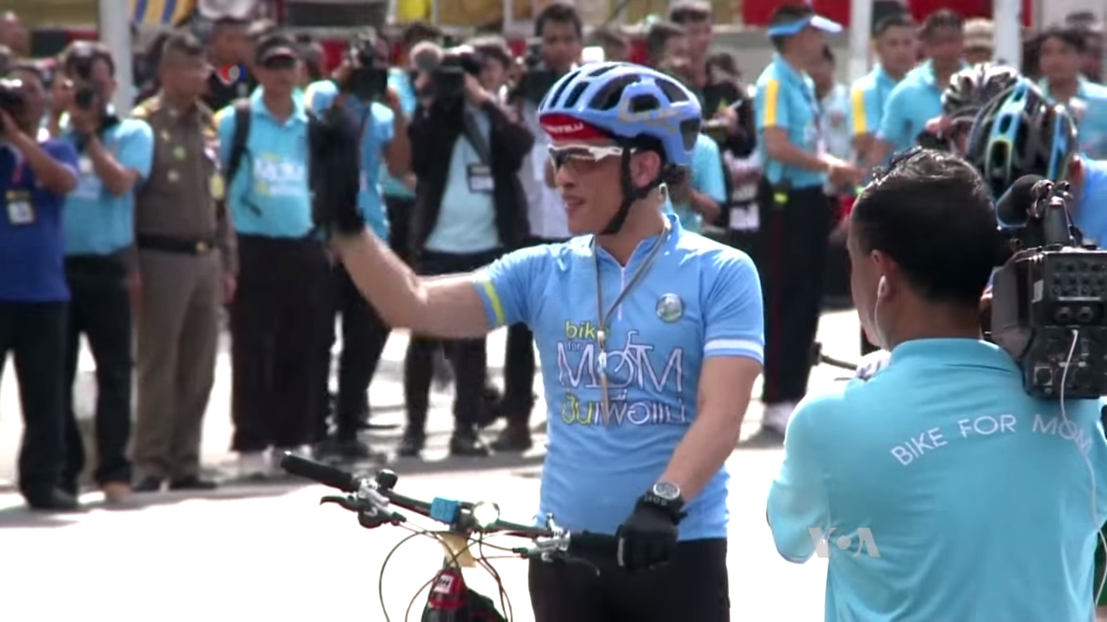 Vajiralongkorn leading cyclists at the Bike for Mom event in Bangkok on August 17, 2015.