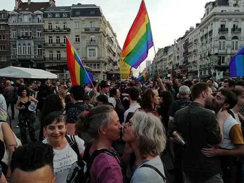 Kiss-In Lgbtqi+ à Bruxelles contre la violence LGBTQI+phobes