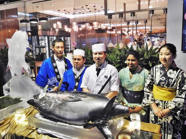 Japanese Chef Yow & Team