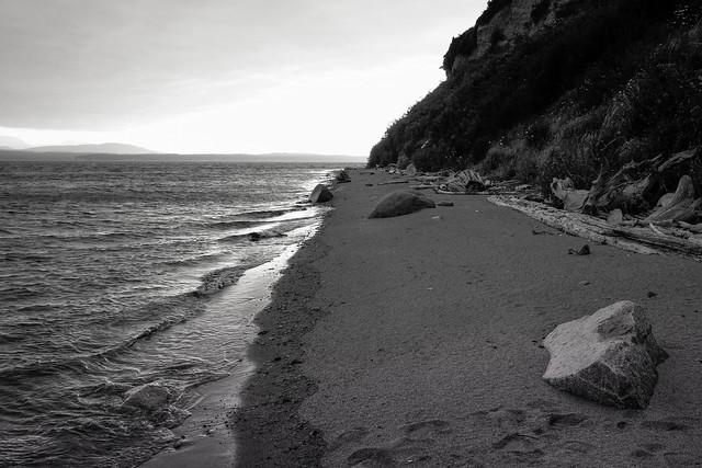 At Narrow Beach, Fujifilm X-E2, XF23mmF1.4 R