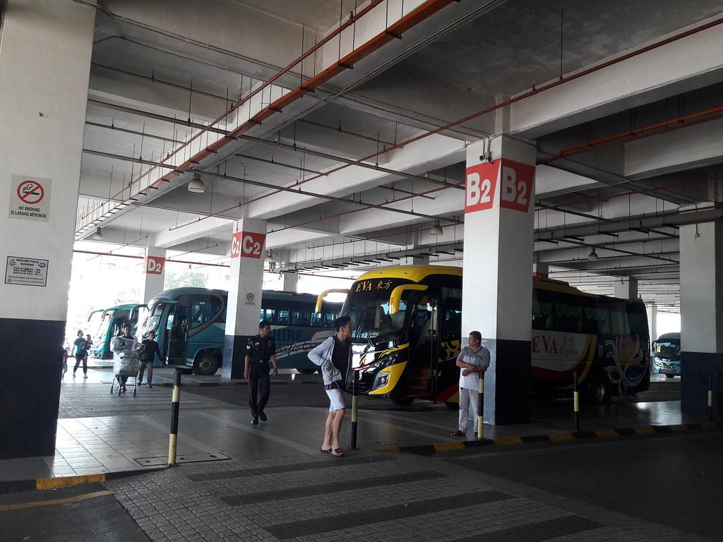 [COC] Melintasi batas negara bersama bis DAMRI Kuching-Pontianak