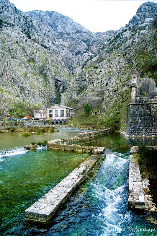 Вид с моста на реку Шкудра