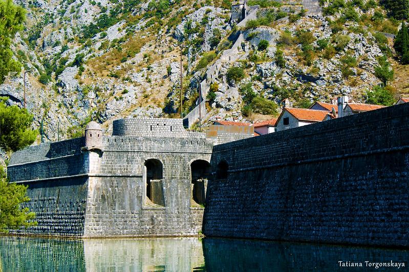 Которские стены с бастионом Бембо