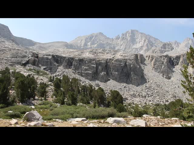 0618 Panorama video from high in the Bubbs Creek drainage on the John Muir Trail