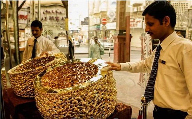 3461 Taiba Gold, A Saudi Company produces 64 KG Gold Ring – World's Heaviest 01