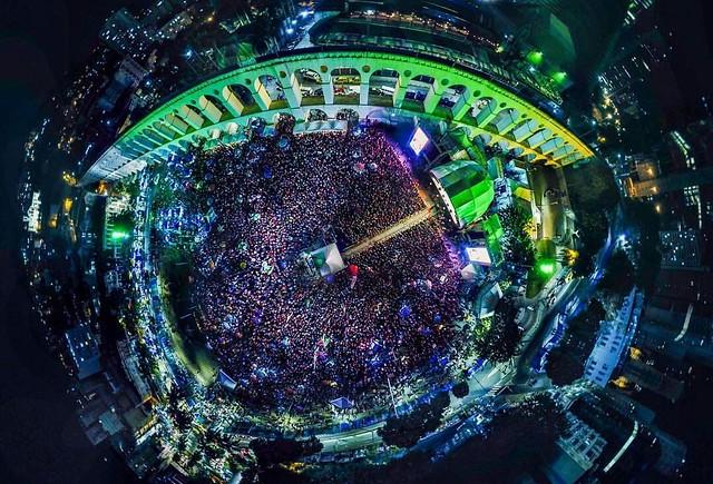 Foto aérea da Lapa, no Rio de Janeiro, durante as apresentações do Festival Lula Livre - Créditos: Foto: Rafael Vilela/Mídia Ninja