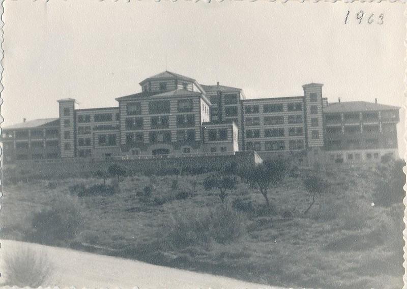 Hospital del Valle en 1963. Fotografía de Julián C.T.