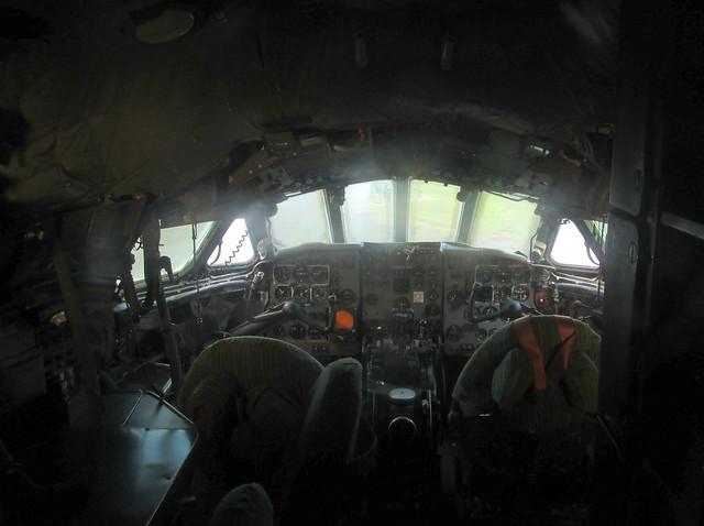 Comet Cockpit