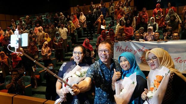 "YDBA Gelar Seminar Kartini ""Wanita Tangguh, Pasti Bisa"""