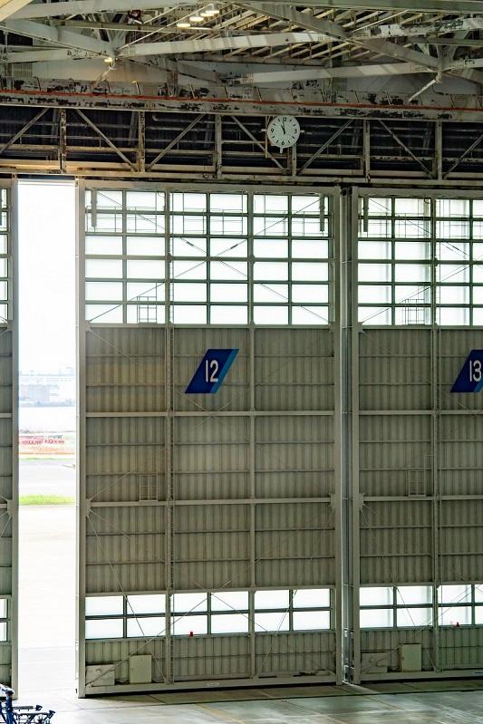 180722 ANA機体工場見学「工場壁の高さ」
