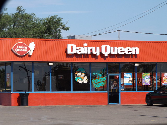 Dairy Queen Shamrock, TX, Fujifilm FinePix S8600 S8650 S8630