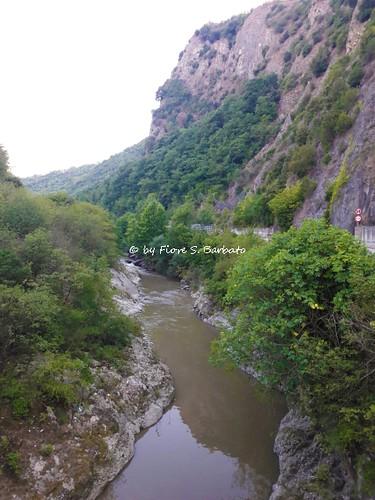 Ceppaloni (BN), Chianche (AV), 2018, Le gole del fiume Sabato presso lo stretto di Barba.