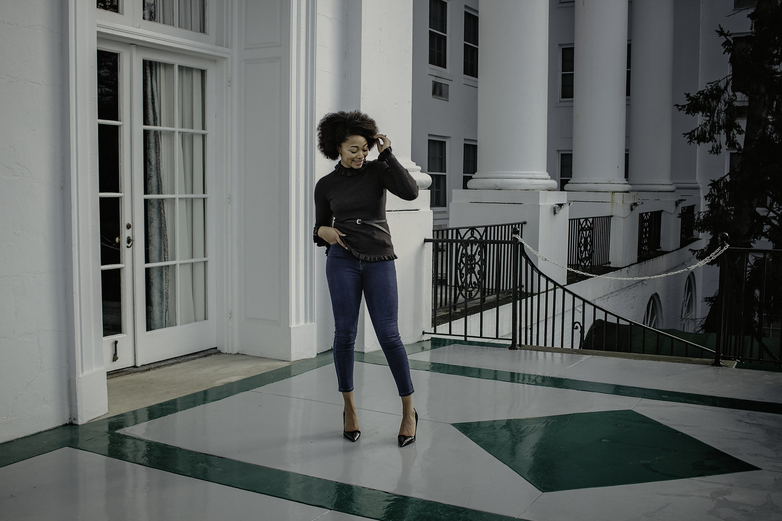 how to style a sweater with jeans, candace hampton