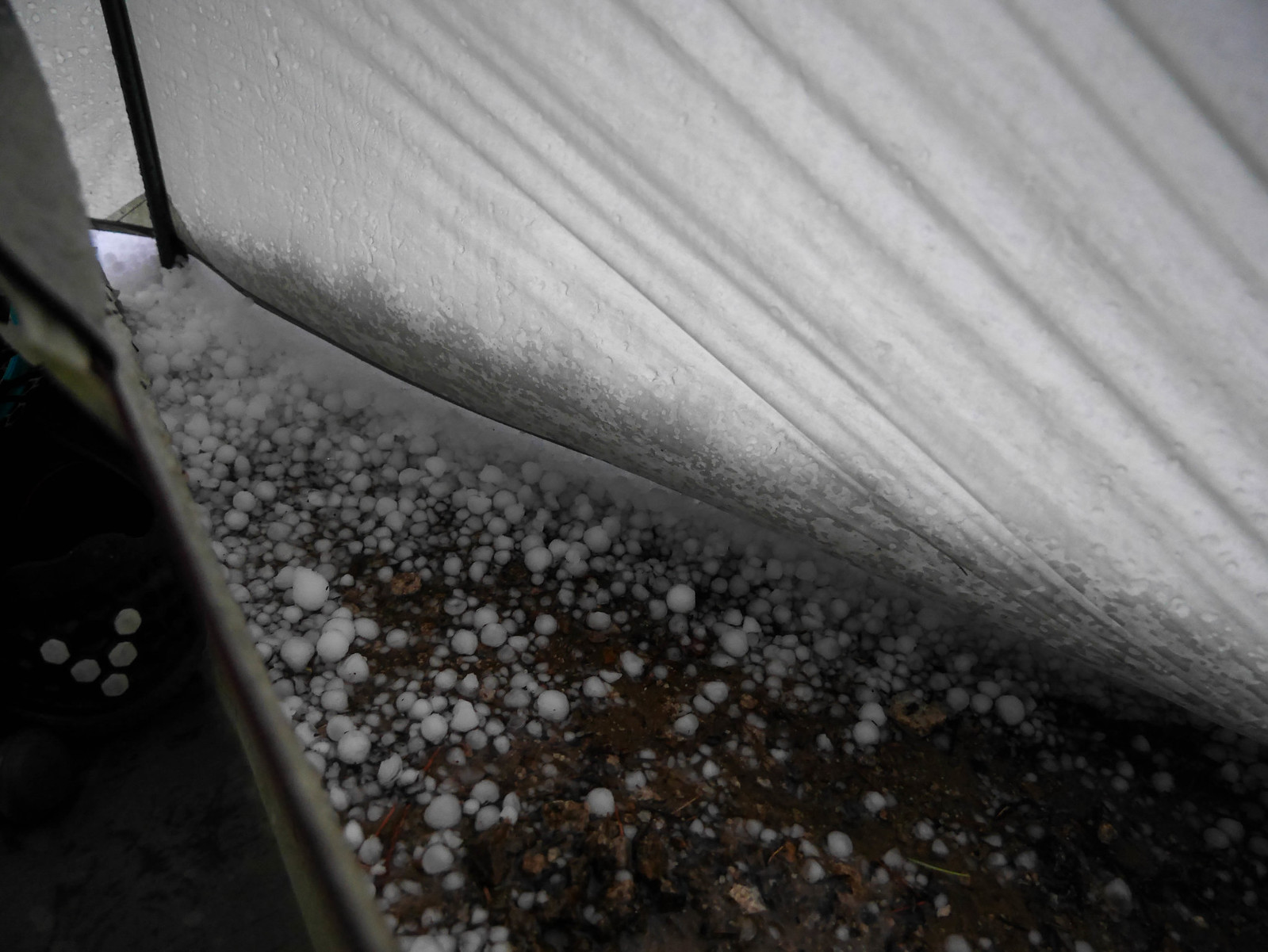 Pea-to-marble sized hail