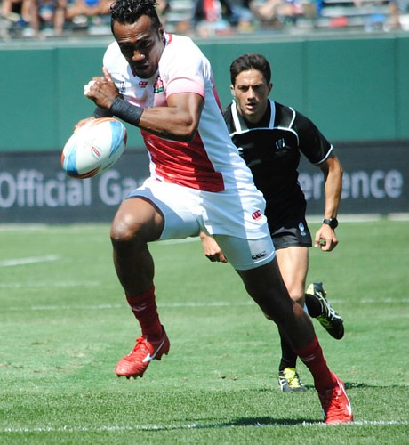 Hitting the stride Japan v Uruguay. The ref keeps pace. #rugby #rwc7s #attpark