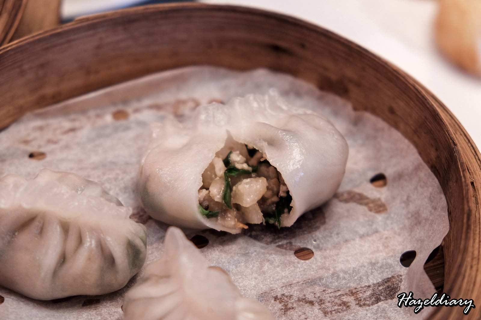 Yan Cantonese Cuisine-Steamed Pork and Mushroom Dumpling with Chives