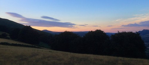 Abergavenny's Hills (Dickie-Dai-Do)