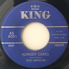 VICKI ANDERSON:NOBODY CARES(LABEL SIDE-A)