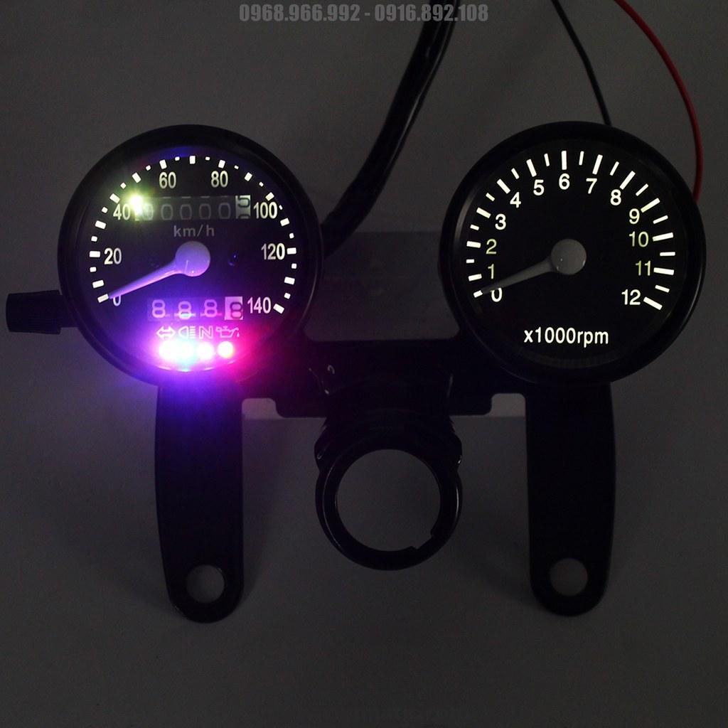 Đồng hồ đã lên đèn