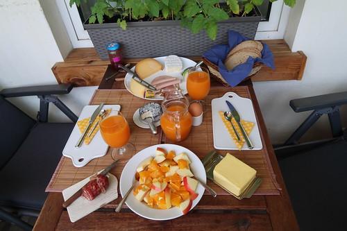 Frühstück auf unserem Balkon