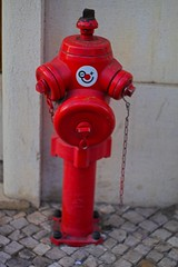 machine(0.0), lighting(0.0), red(1.0), fire hydrant(1.0),