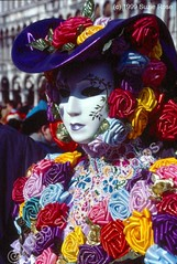 Carnavale, Costumes, Carousels