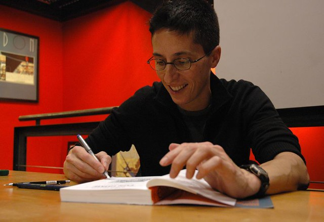 Alison Bechdel signing Fun Home