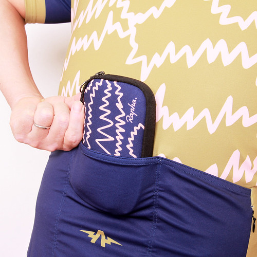 The ATHLETIC Portland USA / Electric Blueberry Pouch