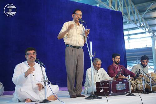 Devotional song by Babu Geetkar from Sant Nirankari Colony, Delhi