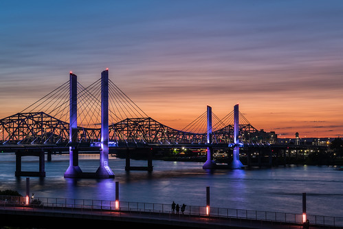 i65 interstate65 ohioriver dusk goldenhour sunset architecture cablestayedbridge abrahamlincolnbridge river sky water bridge kentucky indiana louisville