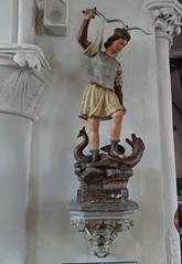Nielles-lès-Bléquin Eglise Saint Martin Statue de Saint Michel archange