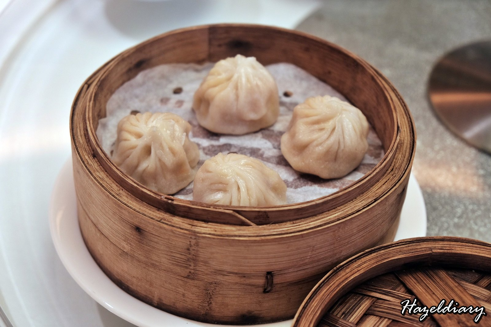 Yan Cantonese Cuisine-Steamed Laksa Xiao Long Bao with Diced Shrimp-2