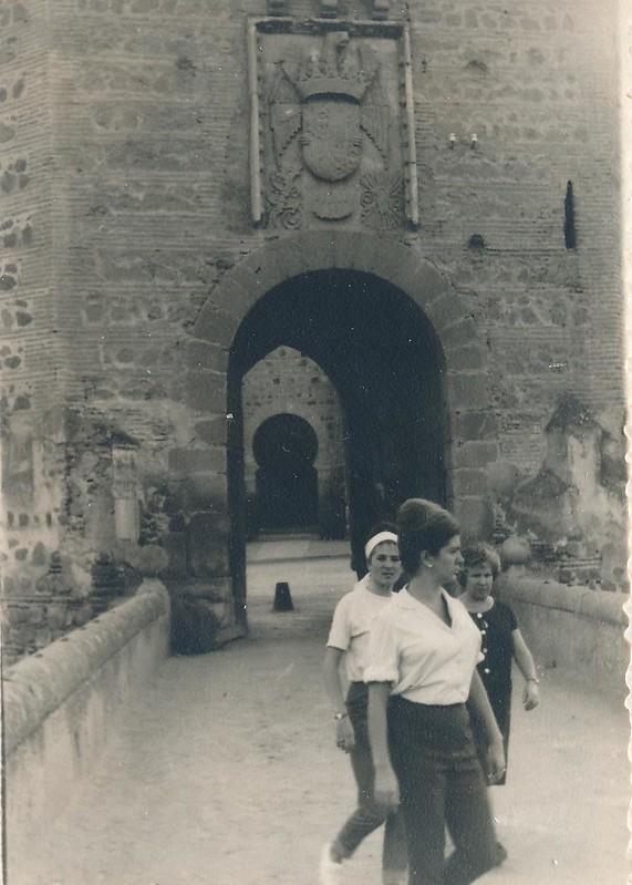 Puente de Alcántara en 1962. Fotografía de Julián C.T.