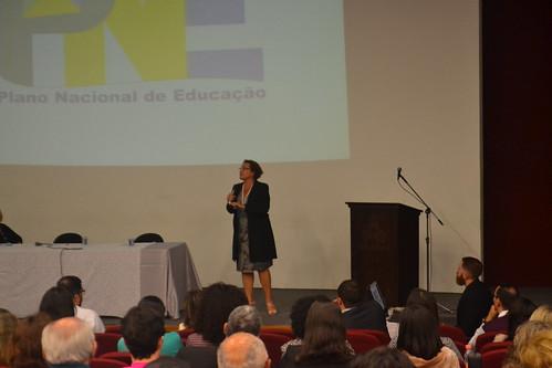 """Assembleia Docente 2º semestre de 2018, palestra da professora Maria Ester Galvão de Carvalho, coordenadora do Fórum Nacional de Educação (FNE), sobre """"Desafios do Ensino Superior no Plano Nacional de Educação"""""""