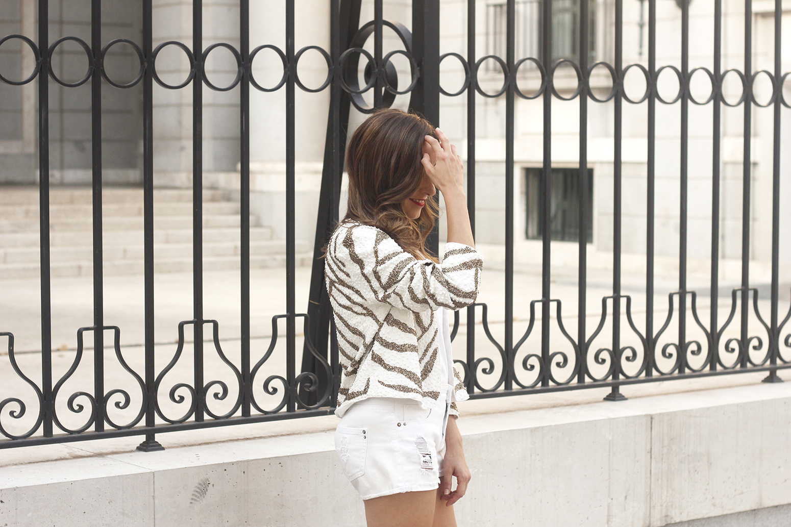 white sequin jacket white denim shorts sandals summer outfit street style 201810