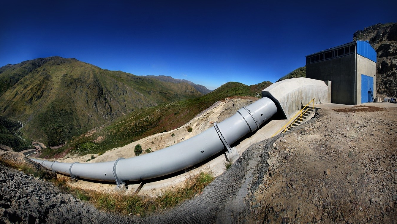 A water pipe constructed on a mountain.