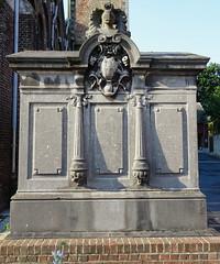 Hornaing tombeau Famille d'Hennin