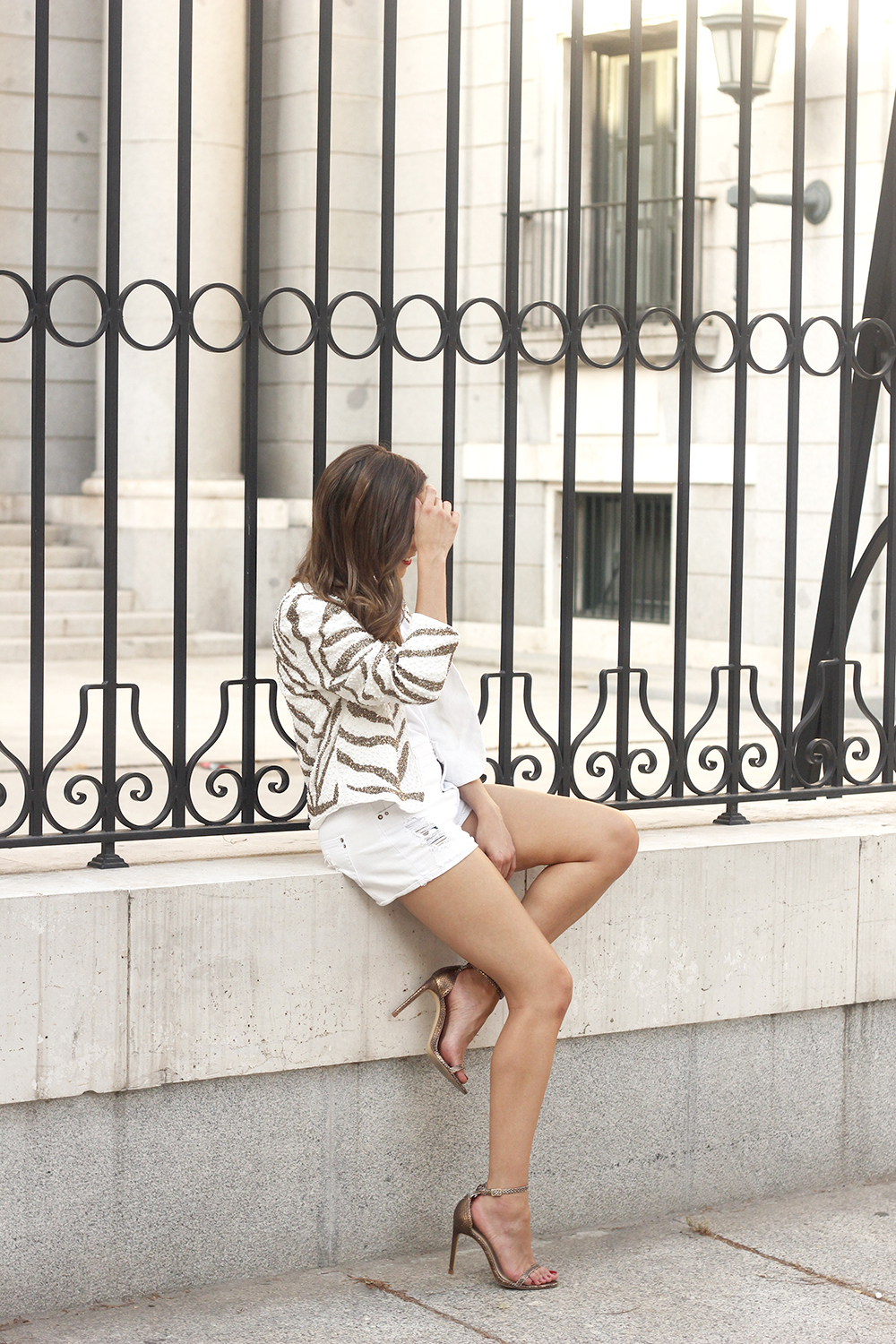 white sequin jacket white denim shorts sandals summer outfit street style 201805