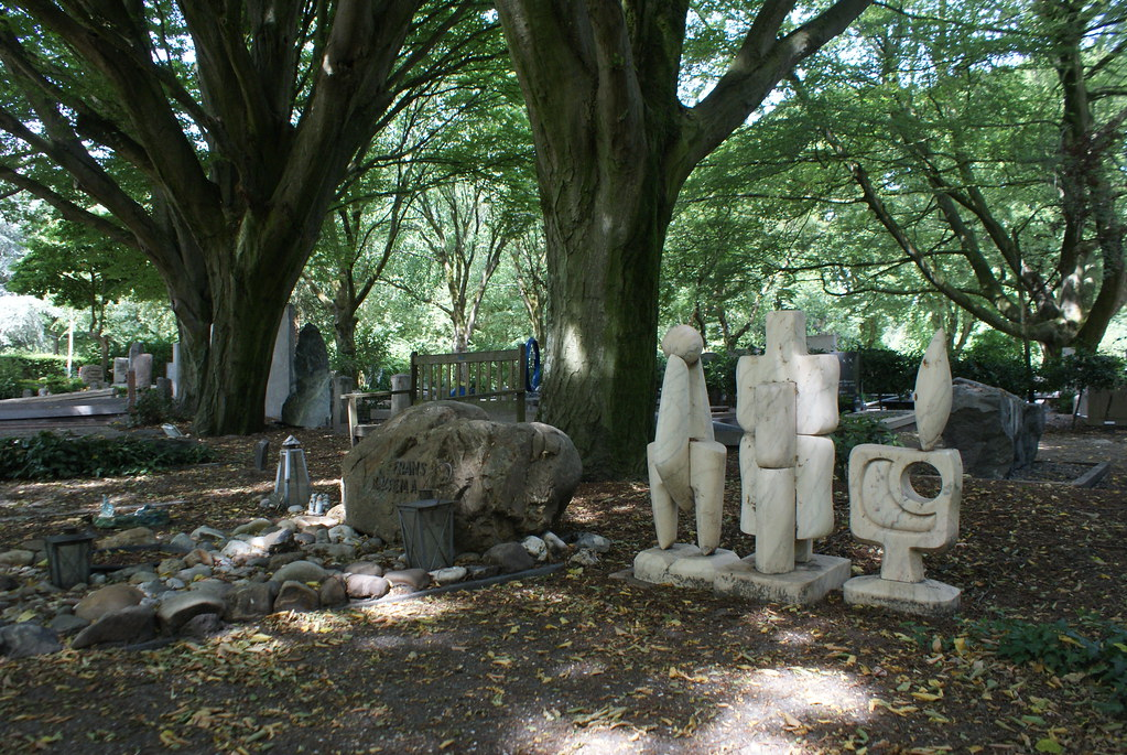 Tombe originale du cimetière Zorgvlied à Amsterdam.