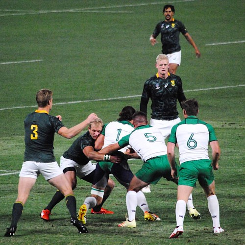 South Africa v Ireland from the stands - I was inspired by a shot from the Chronicle taken from the seats at a Warriors basketball game. Shift was done and wanted to enjoy but can't let go of the camera. Fueled by the spot story #rugby #attpark #rwc7s
