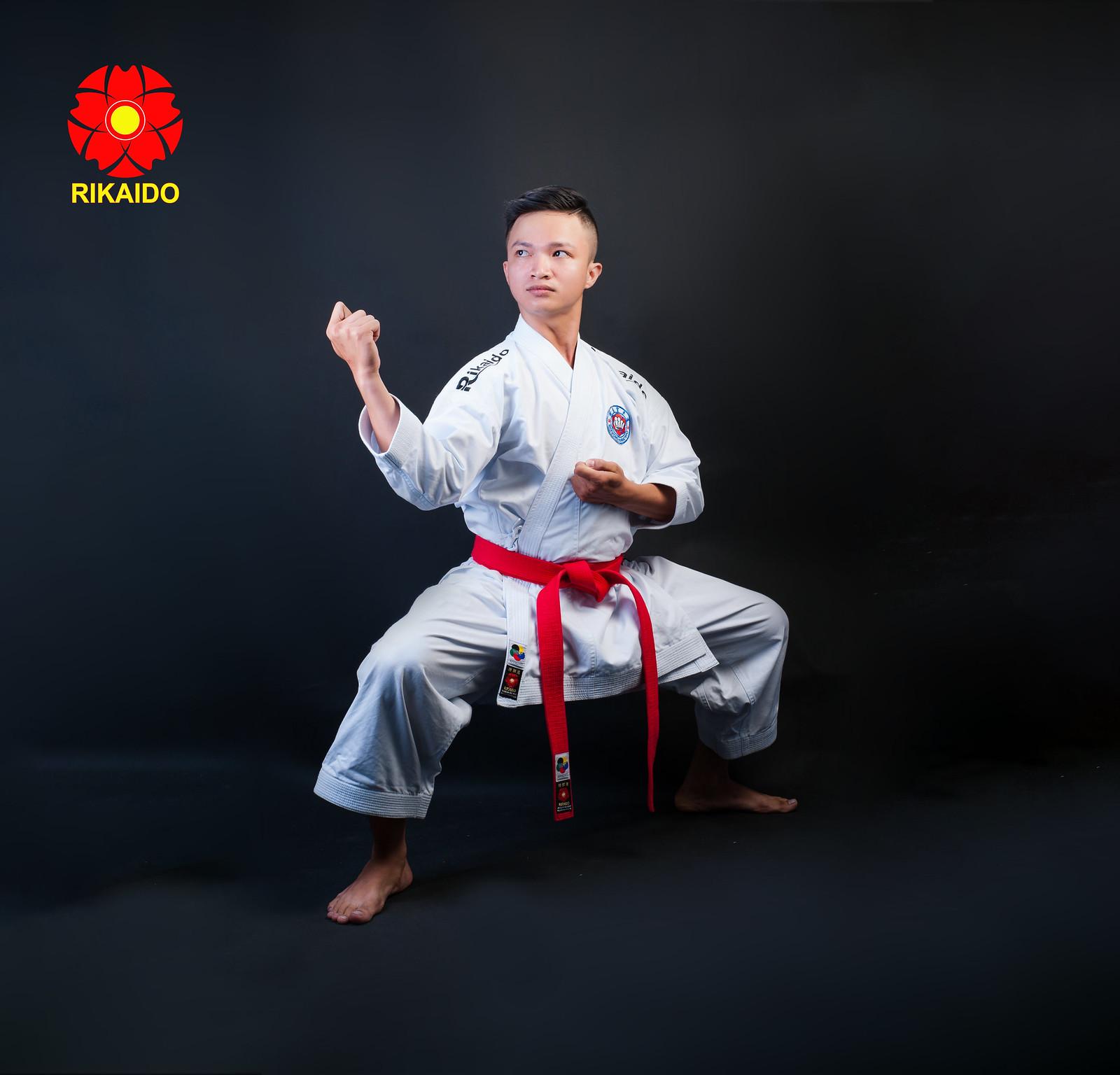 43260450964 f8f3aacd8b h - Ảnh nghệ thuật karate chụp trong studio