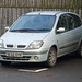 SC52 OYK - Renault Scenic @ Wallace Monument