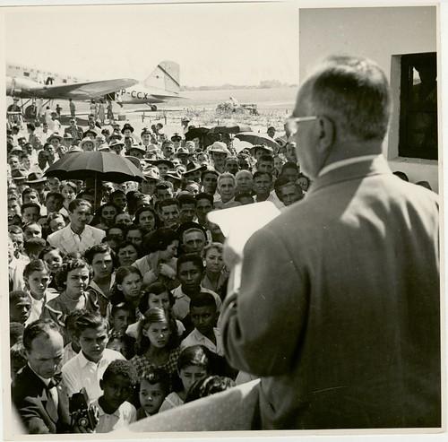 Getúlio Vargas discursa no Maranhão