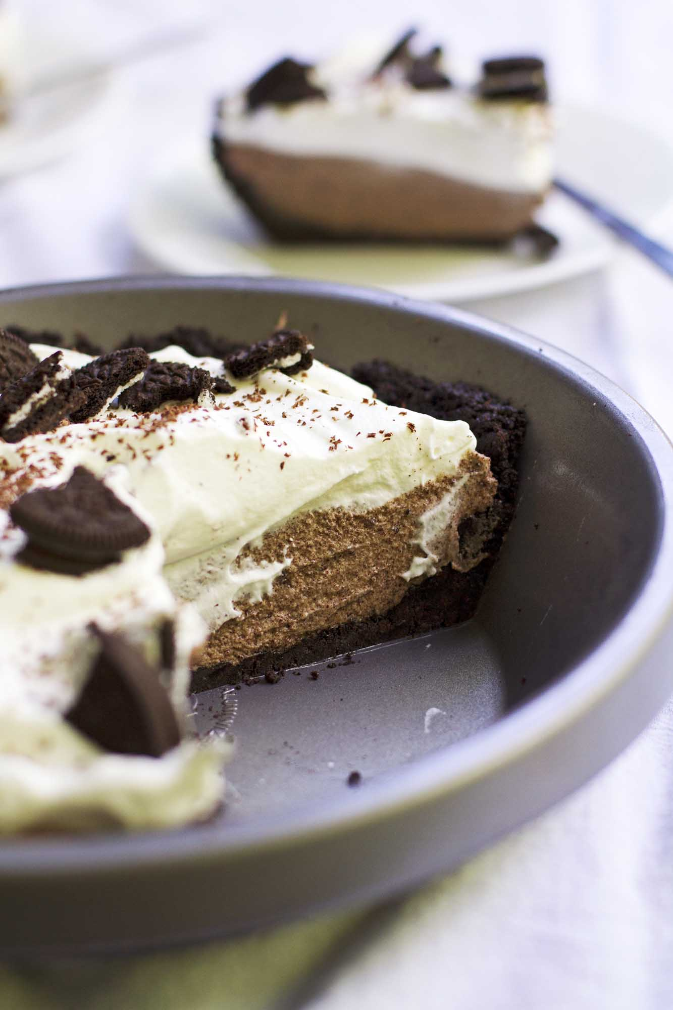 No-Bake French Silk Oreo Pie | girlversusdough.com @girlversusdough