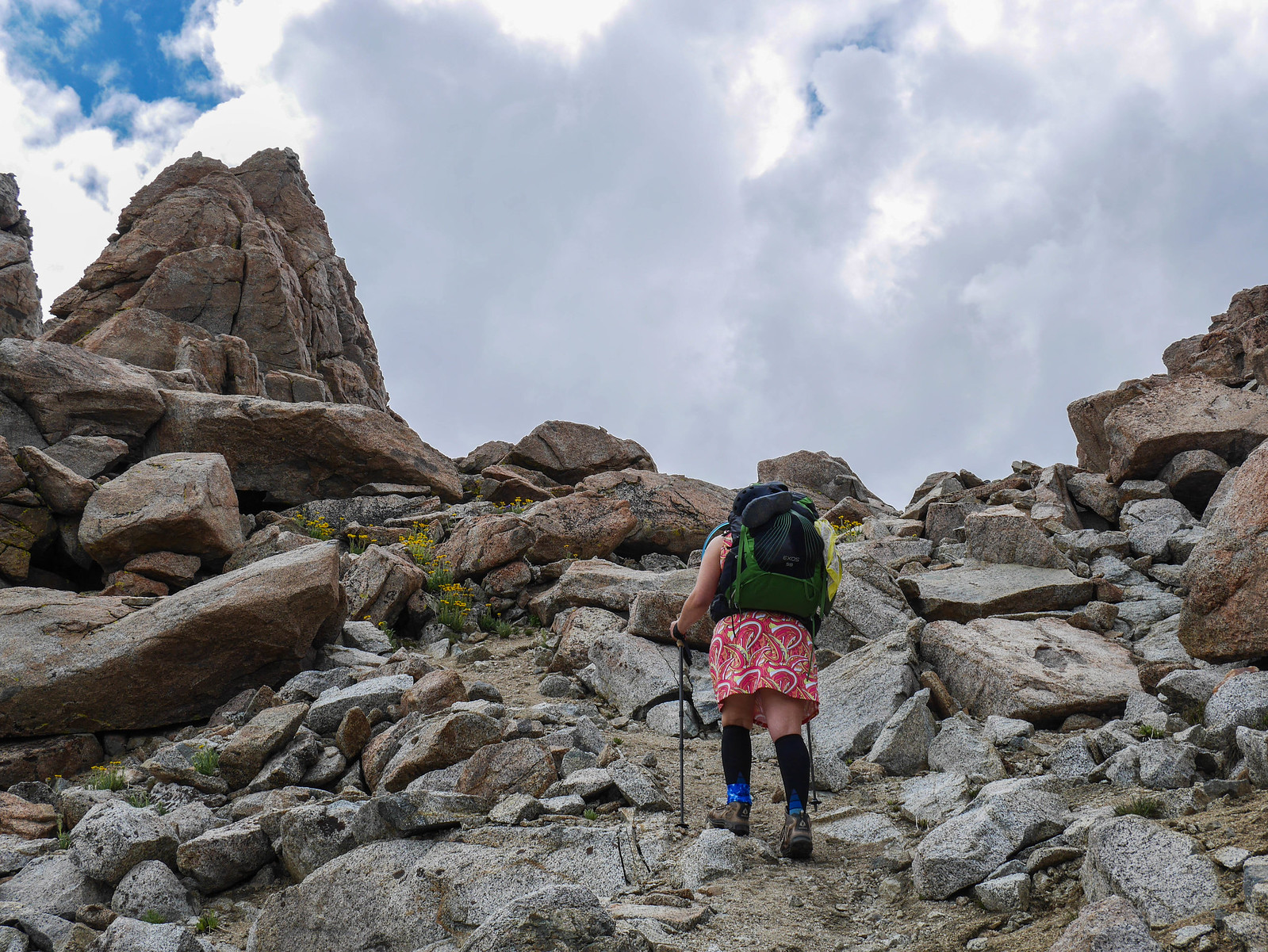 Jessica and Alpine Gold on the use trail up the last bit to Lamarck Col