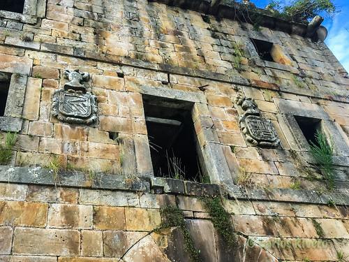 Antiguo palacio en Villanueva de la Peña.