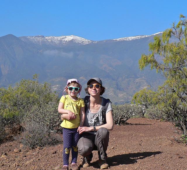 060-Malpais de Guimar-Montana Grande-Yana and Veronica